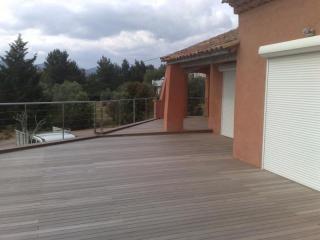 Création d'une terrasse en bois exotique à Cuers
