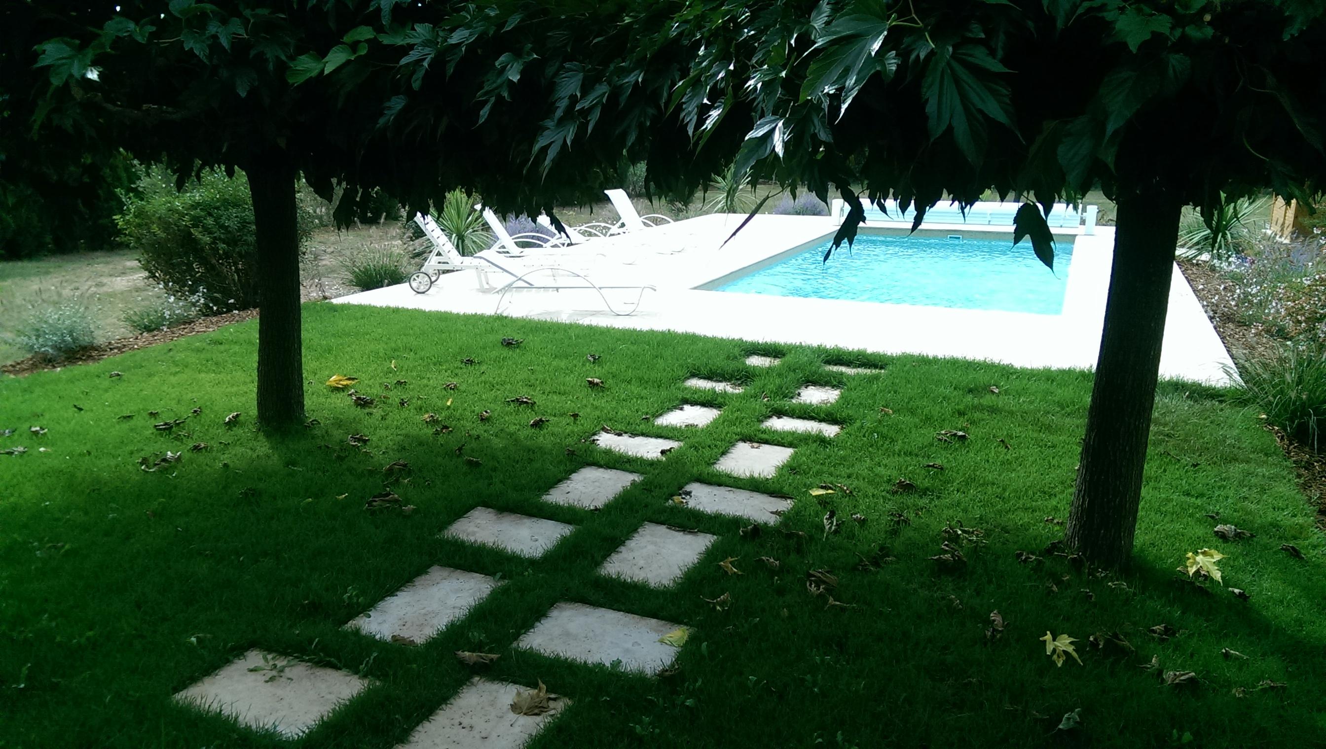 All e entr e de villa all e de jardin parking for Conception de jardin dans le paysage