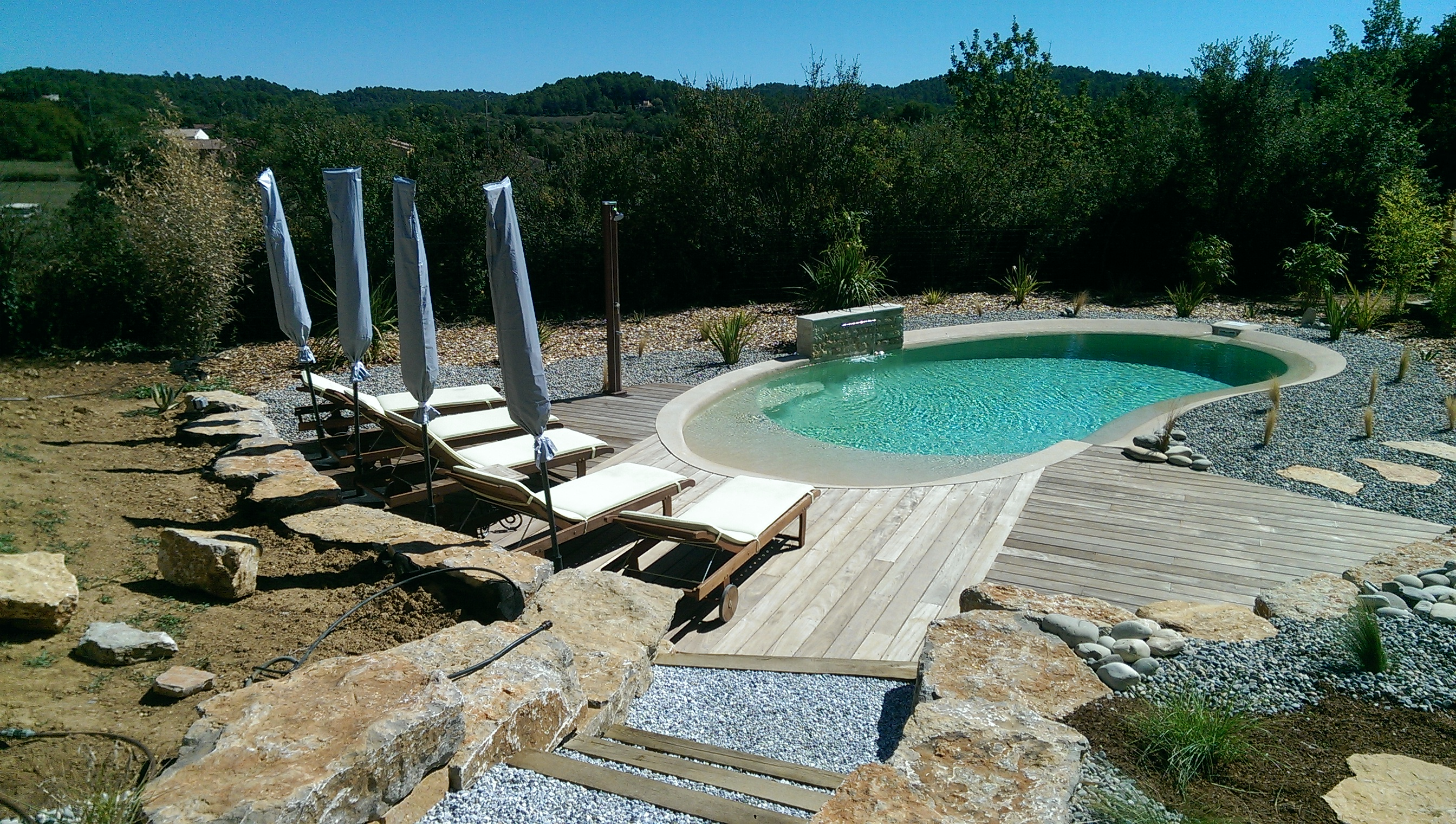 Am nagement autour d 39 une piscine brignoles var fr jus for Photo d amenagement piscine