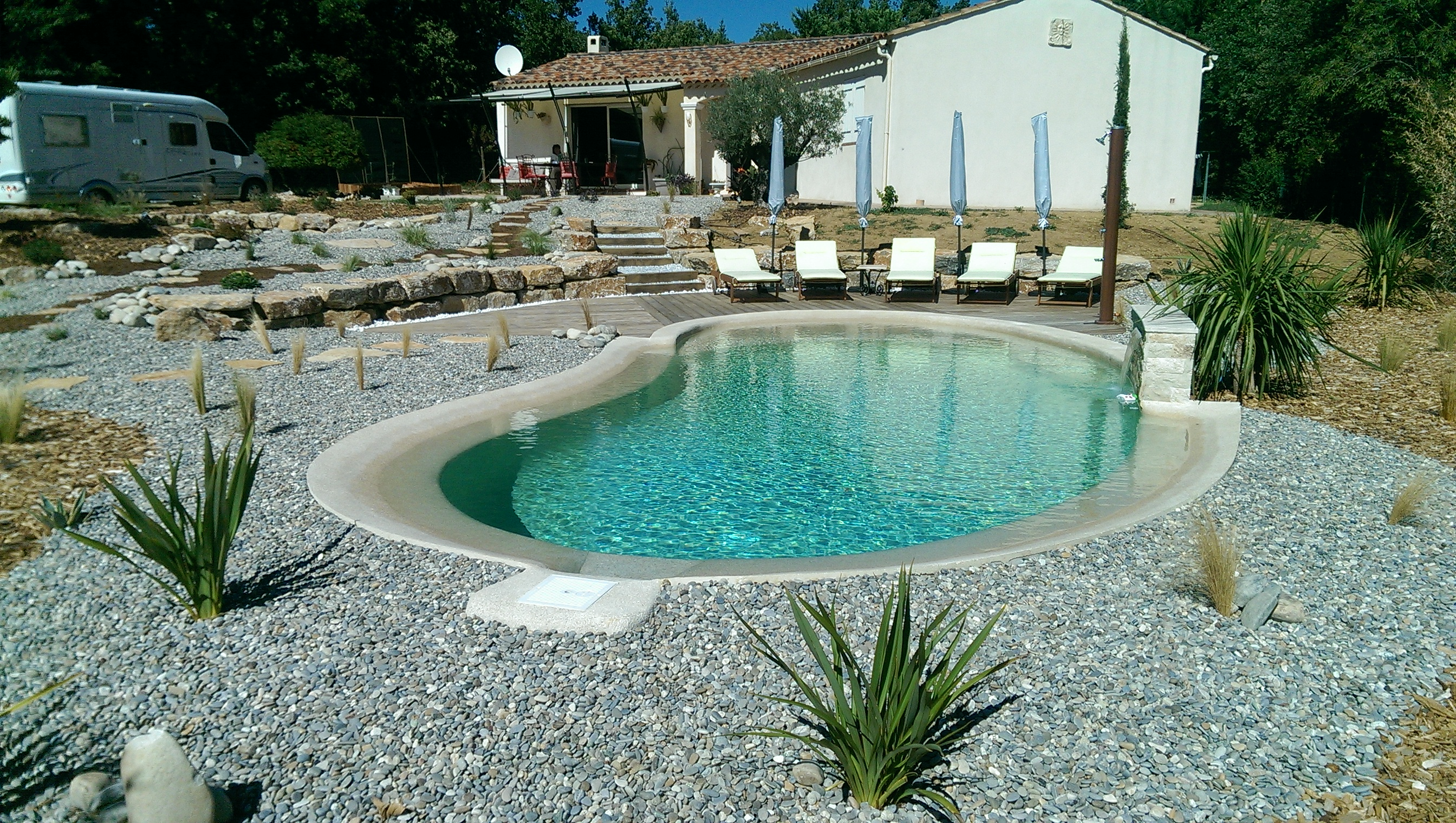 Am nagement autour d 39 une piscine brignoles var fr jus for Amenagement de piscine