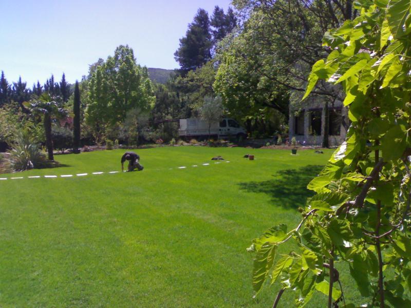 Cr ation de jardin saint maximin for Conception de jardin dans le paysage