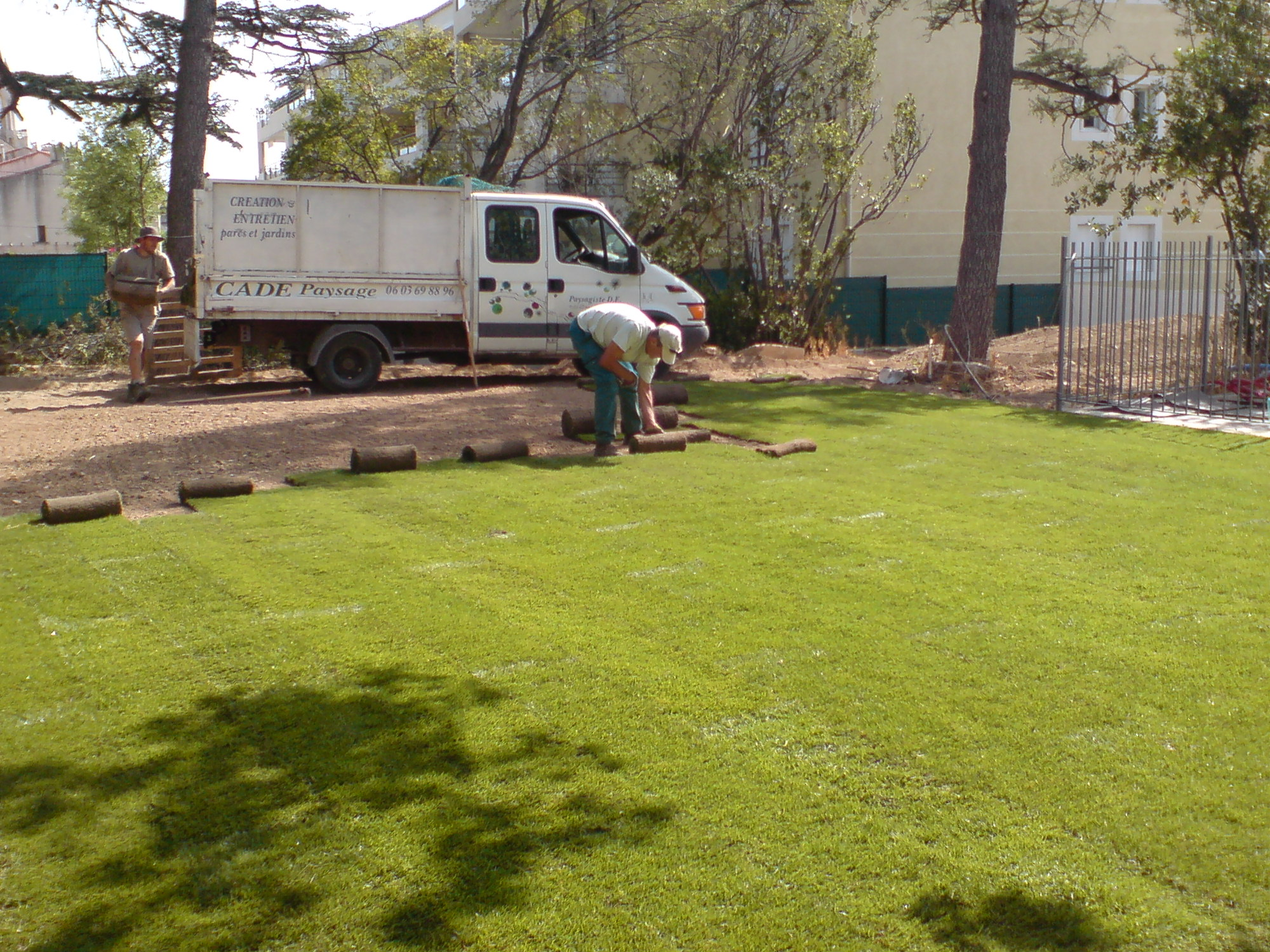 Gazon et plantation cr ation de jardins brignoles var for Prix pour tonte de gazon