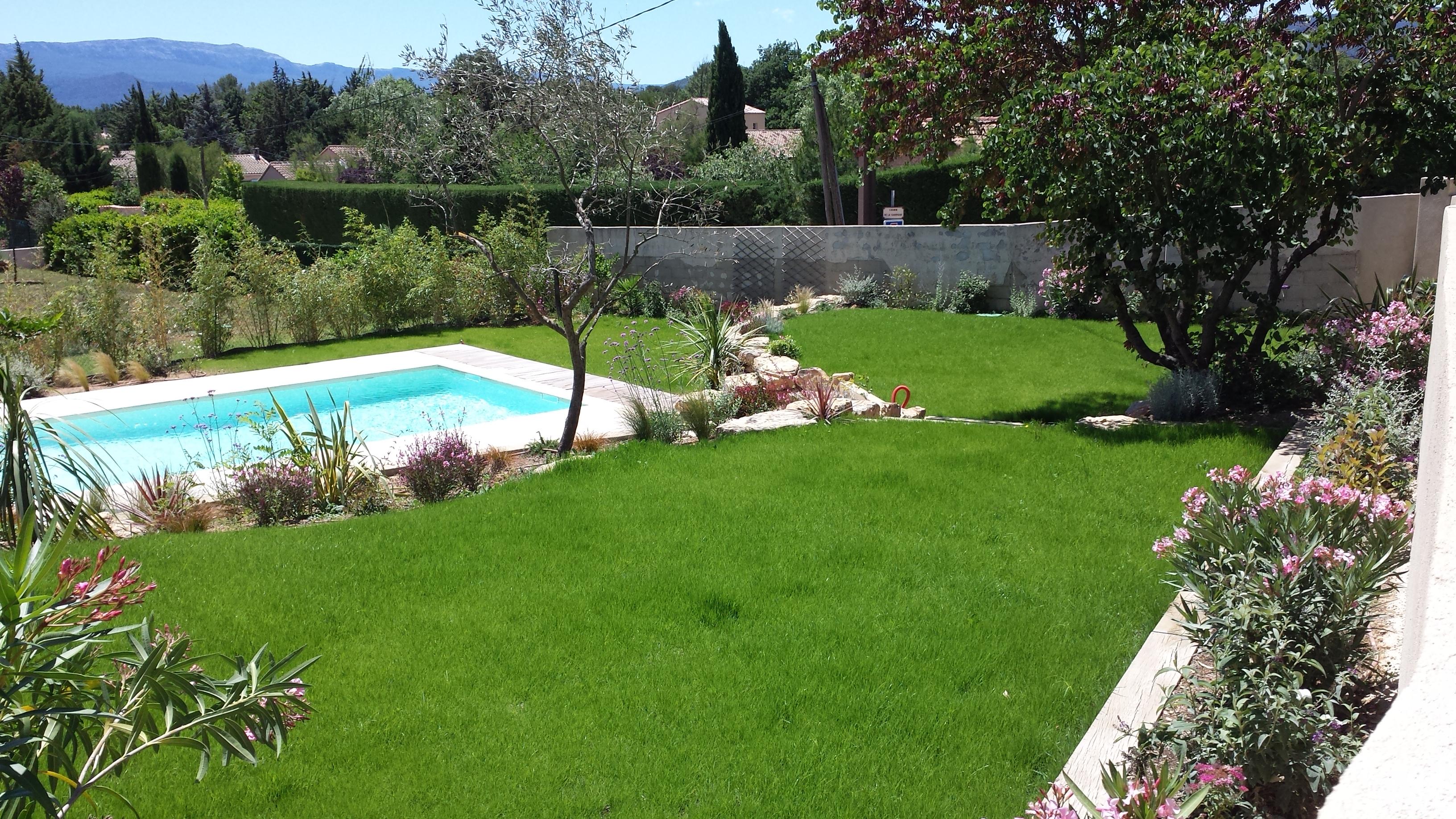Gazon et plantation cr ation de jardins brignoles var for Jardin et plantation
