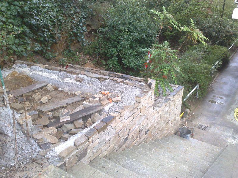 jardinieres en gneiss de saint yriex escalier en travertin aix en provence. Black Bedroom Furniture Sets. Home Design Ideas