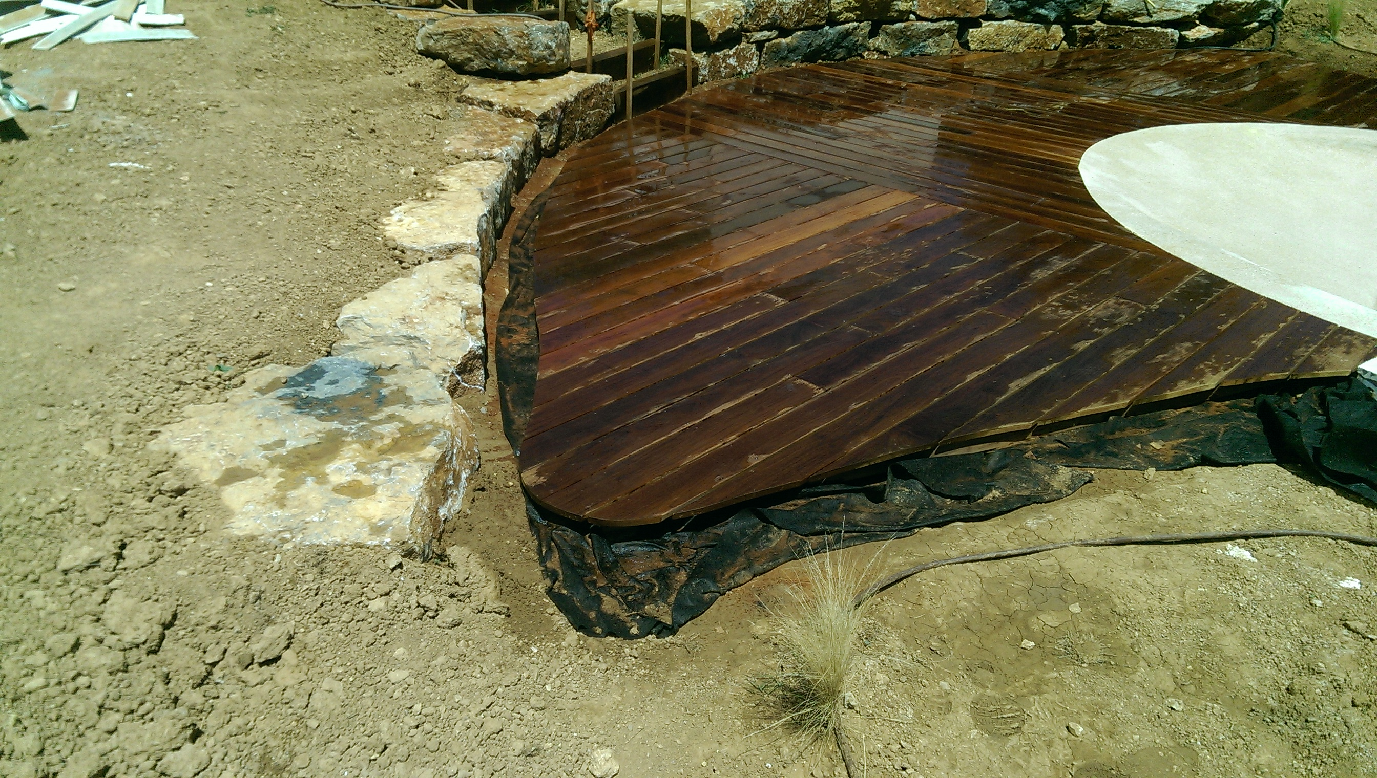 Le bois dans le jardin  Création de jardins Brignoles (Var) Toulon
