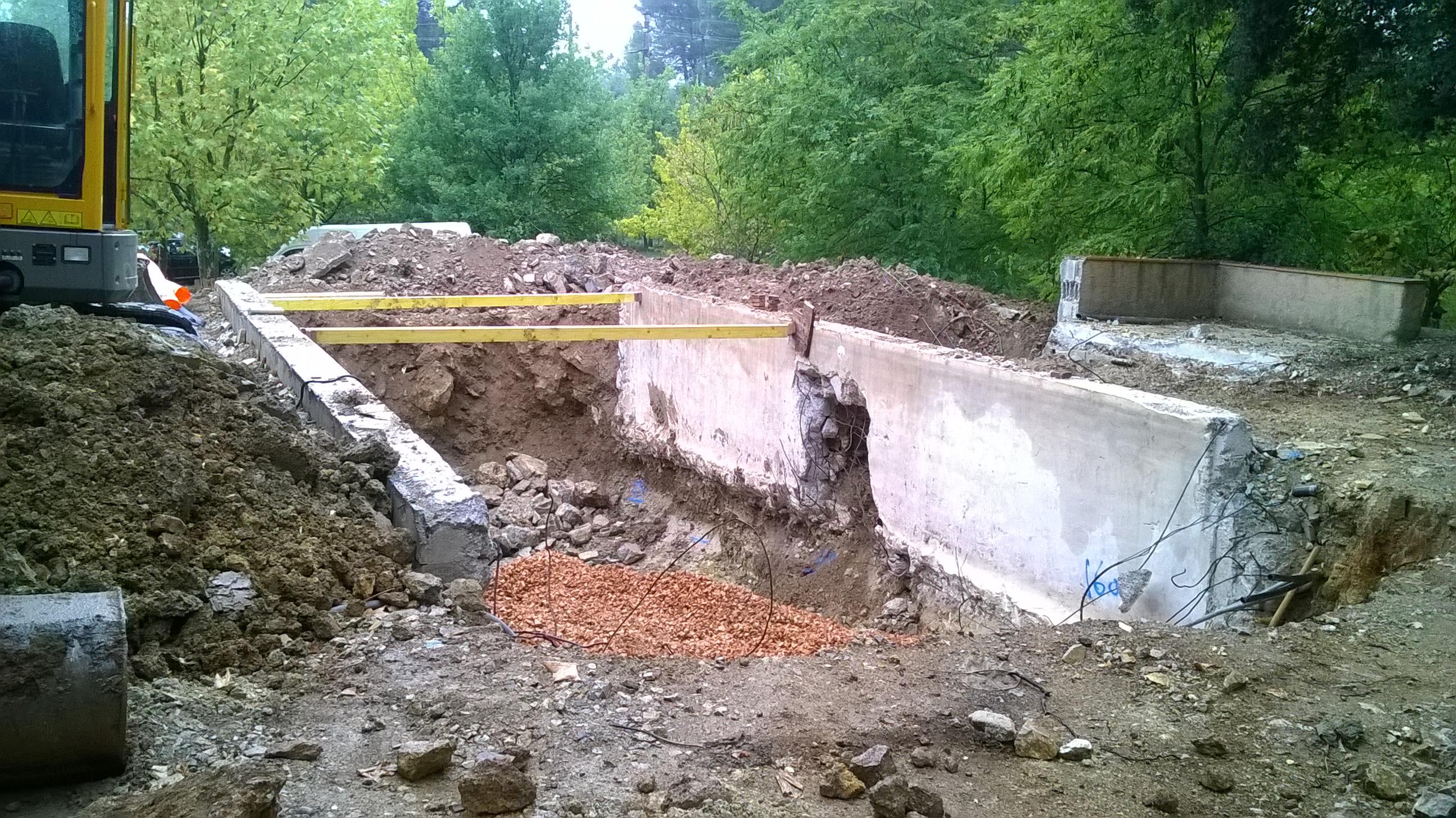 Terrassement et enrochement cr ation de jardins for Terrassement et fondation